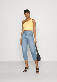 Hollister Co. - ONE SHOULDER  - Topper - yellow - 1