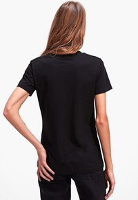 Stradivarius - Basic T-shirt - black - 2
