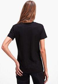 Stradivarius - T-shirts basic - black - 2