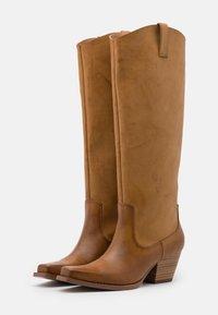 Monki - ROXY BOOT VEGAN - Cowboy/Biker boots - beige - 2