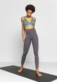 Free People - GOOD KARMA LEGGING - Punčochy - graphite - 1