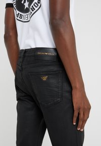 Emporio Armani - Slim fit jeans - denim nero - 3