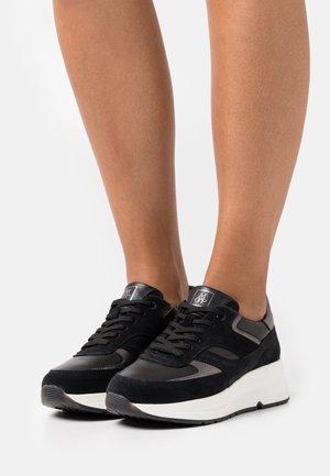 MASSIMA  - Trainers - black