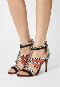San Marina - NITOBA - High heeled sandals - noir blanc - 0