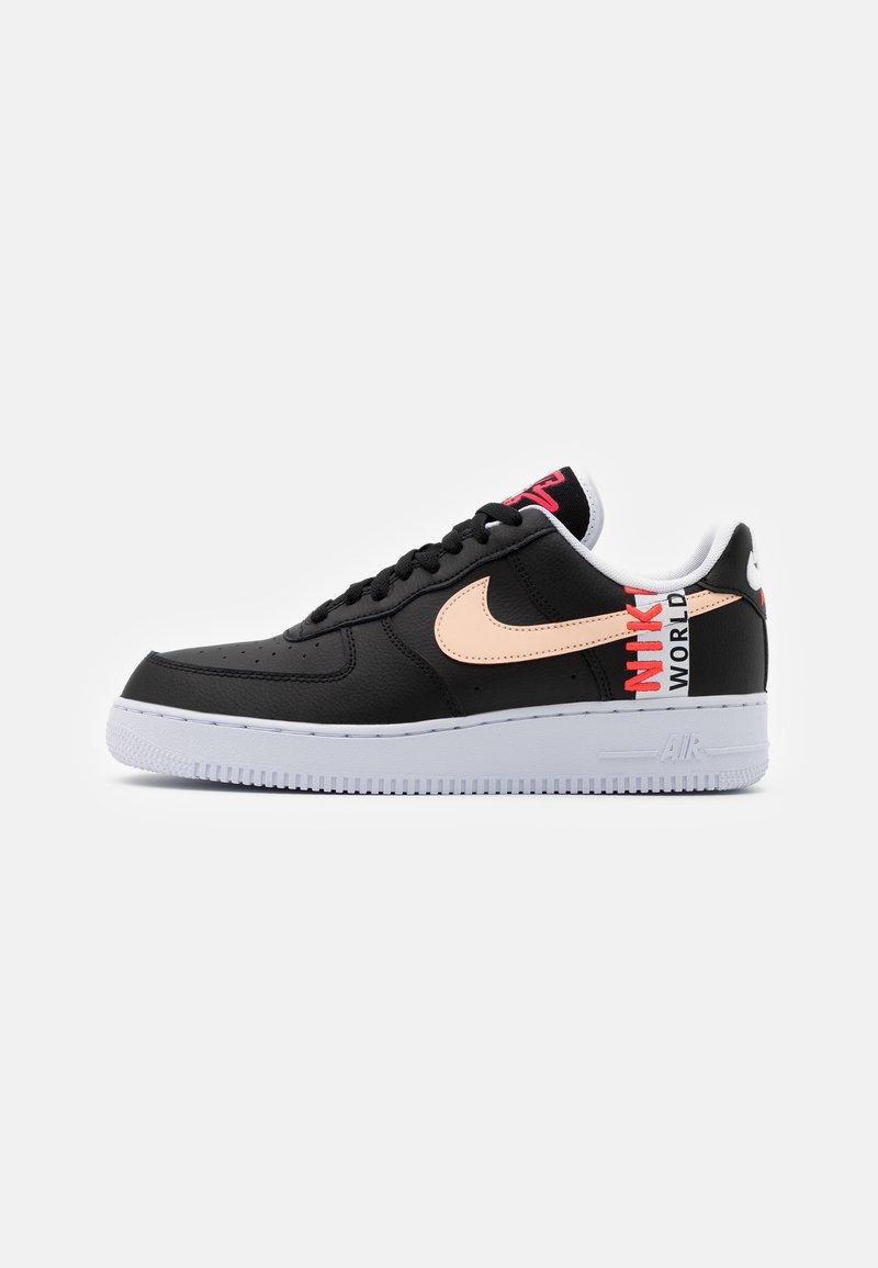 Nike Sportswear - AIR FORCE 1 '07 LV8 WW UNISEX - Trainers - black/flash crimson/white
