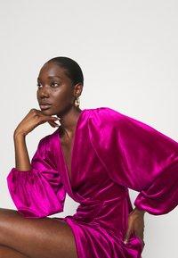 Closet - WRAP OVER MINI DRESS - Cocktail dress / Party dress - pink - 4