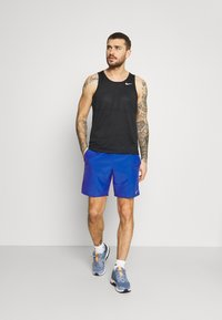 Nike Performance - RUN SHORT - Pantalón corto de deporte - game royal/obsidian/silver - 1