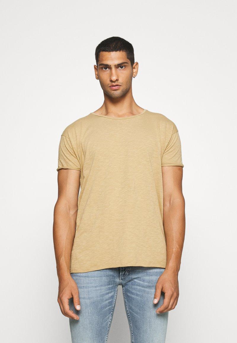 Nudie Jeans - ROGER - Camiseta básica - beige