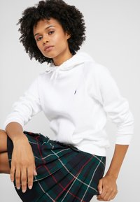 Polo Ralph Lauren - LONG SLEEVE - Jersey con capucha - white - 3