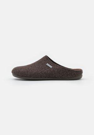 JON - Slippers - moro