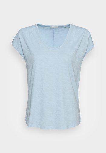 SHORT-SLEEVE DEEP ROUND-NECK - Basic T-shirt - sunny sky