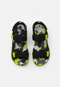 Superfit - HENRY - Walking sandals - schwarz/grün - 3