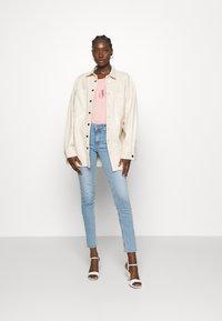Liu Jo Jeans - T-shirts med print - wild rose - 1