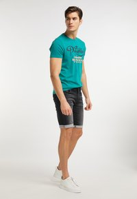 Petrol Industries - Denim shorts - black stone - 1