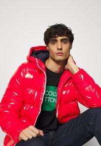 Benetton - PUFFER - Winterjas - red - 3