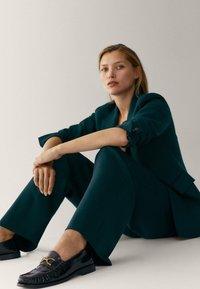 Massimo Dutti - Pantalon classique - green - 3