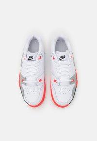 Nike Sportswear - CROSS TRAINER - Trainers - white/light smoke grey/black/bright crimson - 5