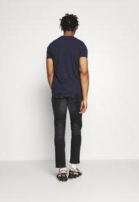 G-Star - D-STAQ 5-PKT SLIM - Slim fit jeans - elto black/medium aged faded - 2