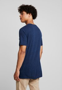 REVOLUTION - PEN - T-shirt print - navy melange - 2
