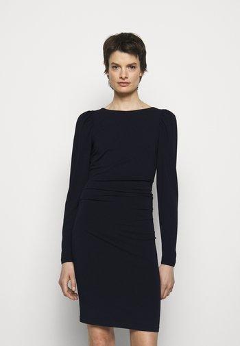 STRETCH SLEEVE DRESS - Žerzejové šaty - black