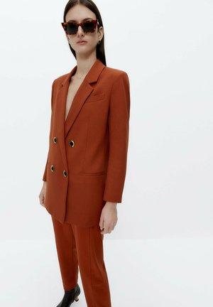 MIT KNÖPFEN - Blazer - red