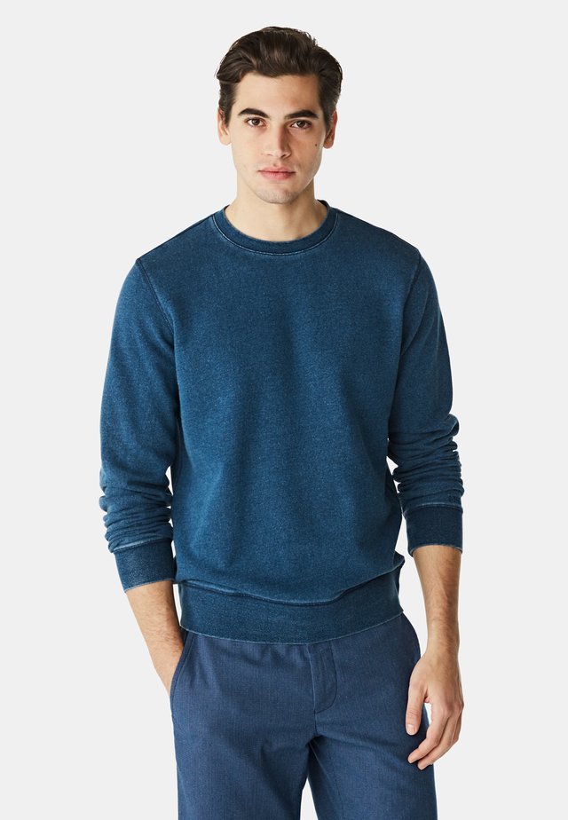 Sweater - knight blue