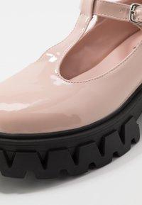 Koi Footwear - VEGAN SHIN - Zapatos de plataforma - light pink - 2