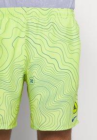Nike Performance - CHALLENGER SHORT EKIDEN - Pantalón corto de deporte - cyber - 4