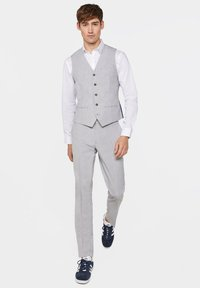 WE Fashion - DALI - Suit trousers - blended light grey - 1