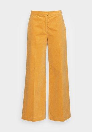 COLLOT TROUSERS - Pantalones - ochre