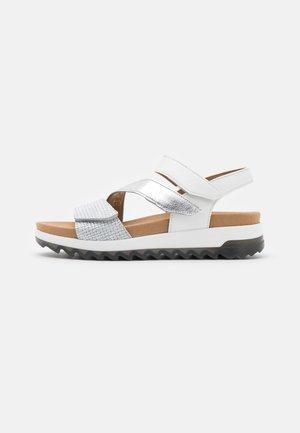 Sandales à plateforme - silber/weiß