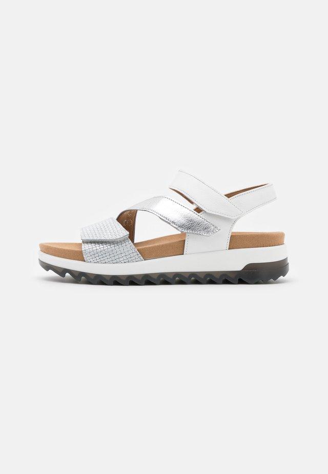 Sandały na platformie - silber/weiß