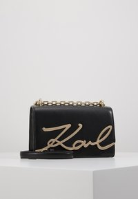 KARL LAGERFELD - SIGNATURE SMALL SHOULDERBAG - Sac bandoulière - black/gold - 0