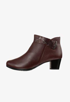 SARA - Korte laarzen - rot