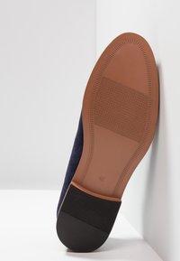 Zalando Essentials - Smart lace-ups - dark blue - 4