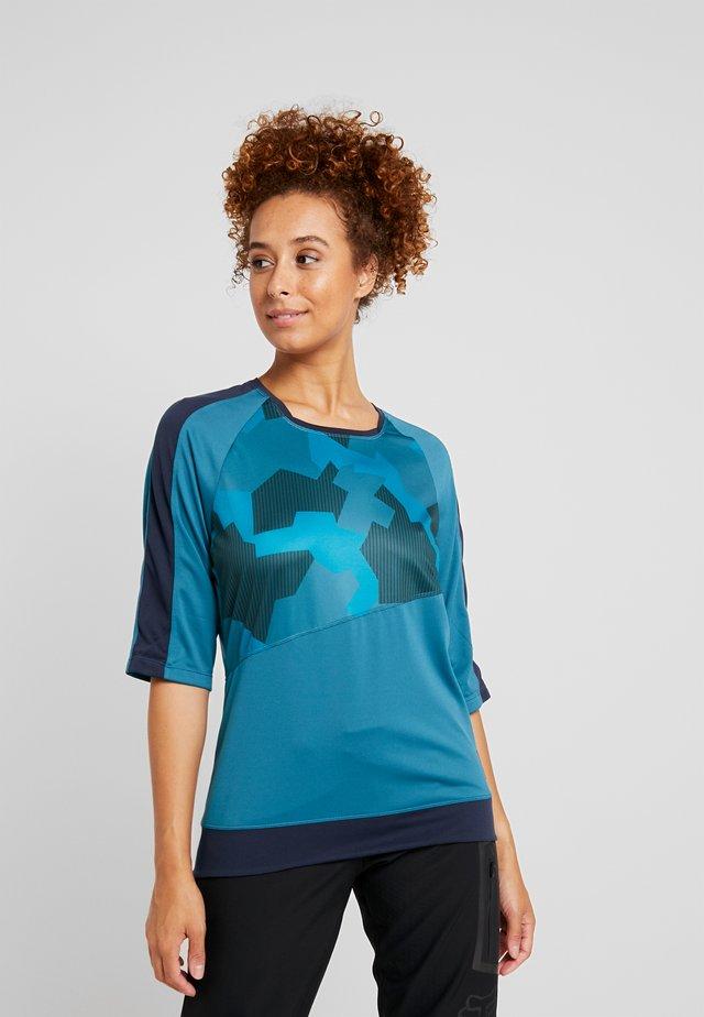 HALE - T-shirt con stampa - universe/blaze