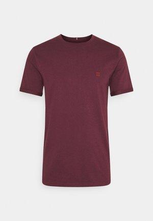 NØRREGAARD - Basic T-shirt - burgundy