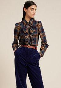 Luisa Spagnoli - LUTER - Button-down blouse - var blu/tabacco - 3