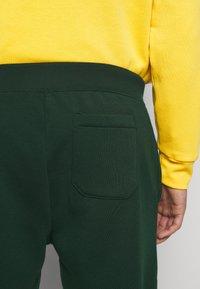 Polo Ralph Lauren - Pantalon de survêtement - college green - 4