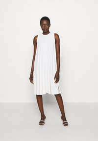 Max Mara Leisure - RIBALDO - Žerzejové šaty - white - 0
