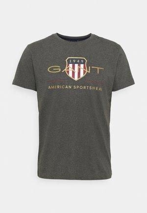 ARCHIVE SHIELD - T-shirt z nadrukiem - antracit melange
