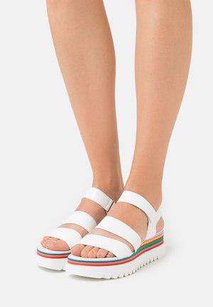 Platform sandals - weiß/rainbow