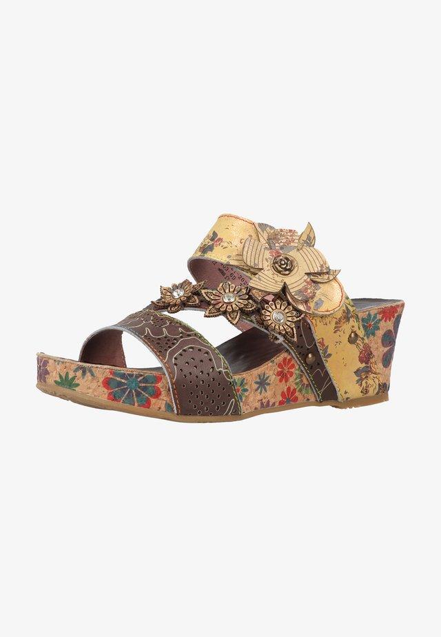 Sandály na vysokém podpatku - multi
