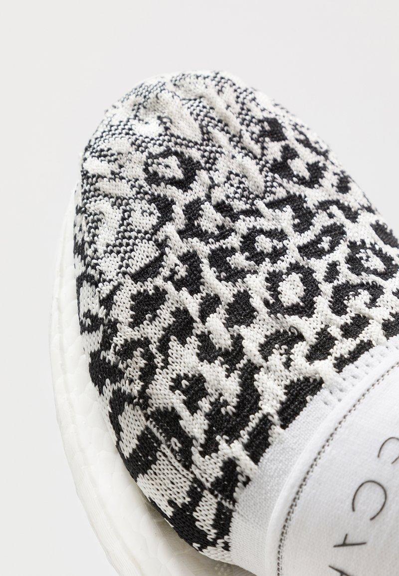 Adidas By Stella Mccartney Ultraboost X 3 D Neutral Running Shoes Core Black Footwear White Solar Orange White Zalando De