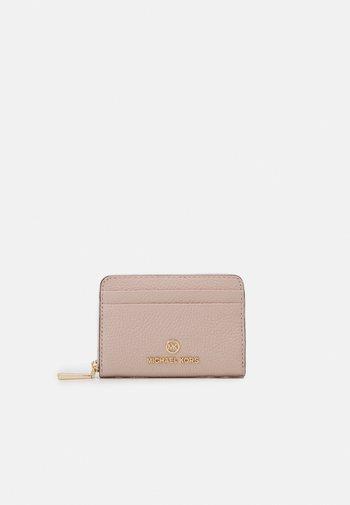 JET SET CHARM COIN CARD CASE - Peněženka - soft pink