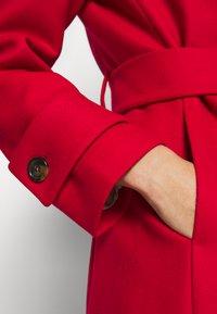IVY & OAK - BELTED COAT - Classic coat - allure red - 6