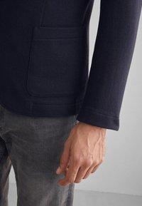 Falconeri - BLAZER AUS KASCHMIRJERSEY - Blazer jacket - blue navy - 5
