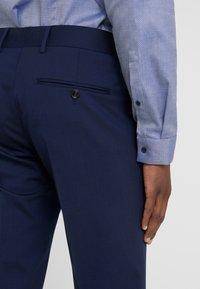 Tiger of Sweden - GORDON - Pantalon de costume - midnight blue - 5
