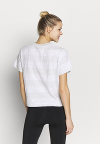 The North Face - WOMEN'S STRIPE - Print T-shirt - tin grey - 2