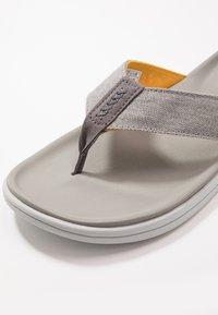 UGG - BROOKSIDE FLIP - T-bar sandals - seal - 5
